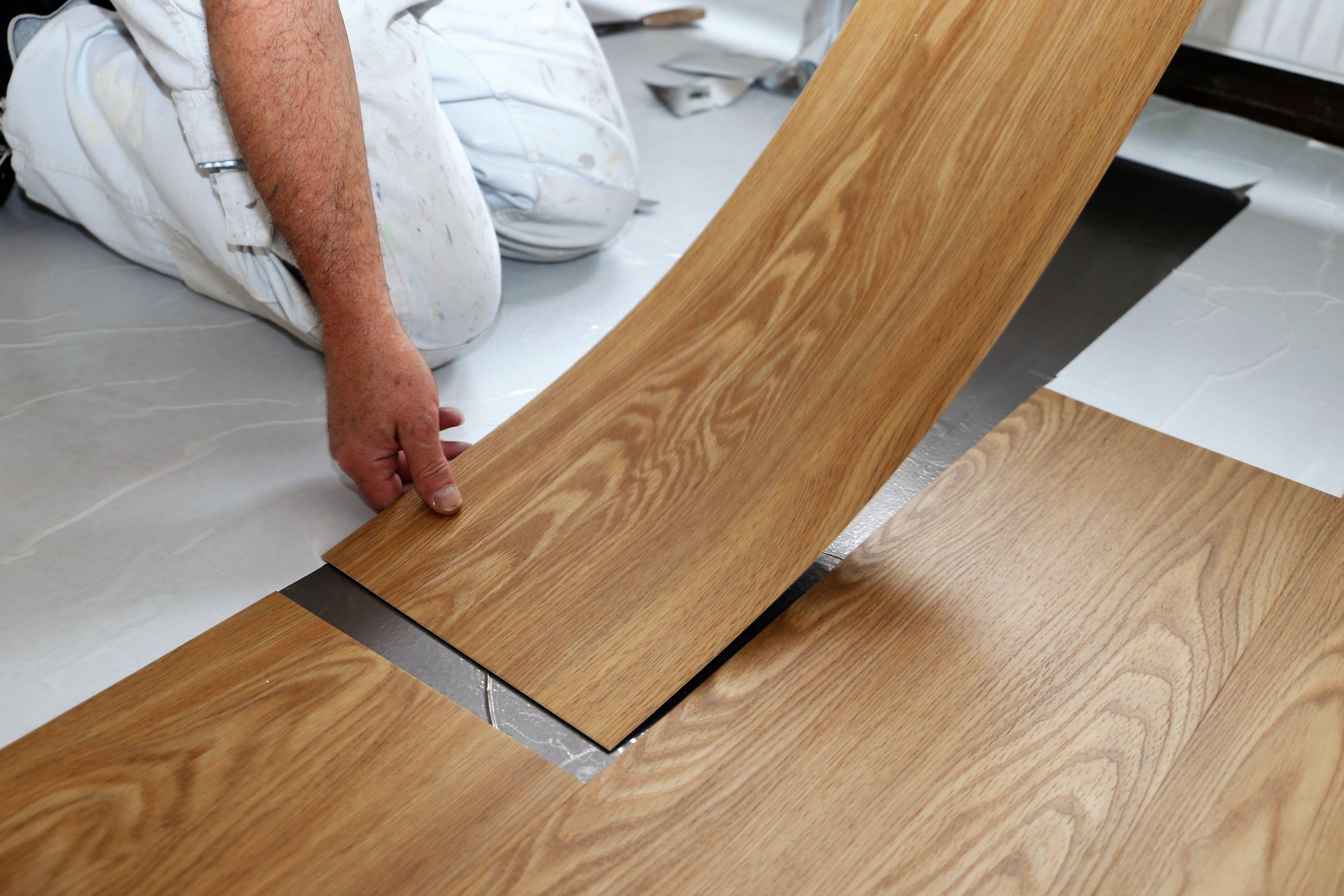 golvläggningar våtrumsläggningar badrumsrenoveringar golvslipning Tidaholm med omnejd